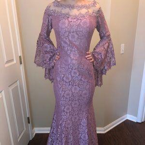 Dresses & Skirts - Beautiful lilac lace mermaid dress.
